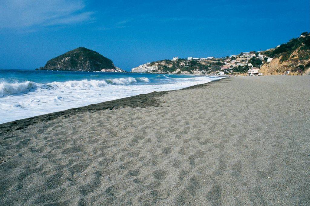 Spiaggia dei Maronti Ischia